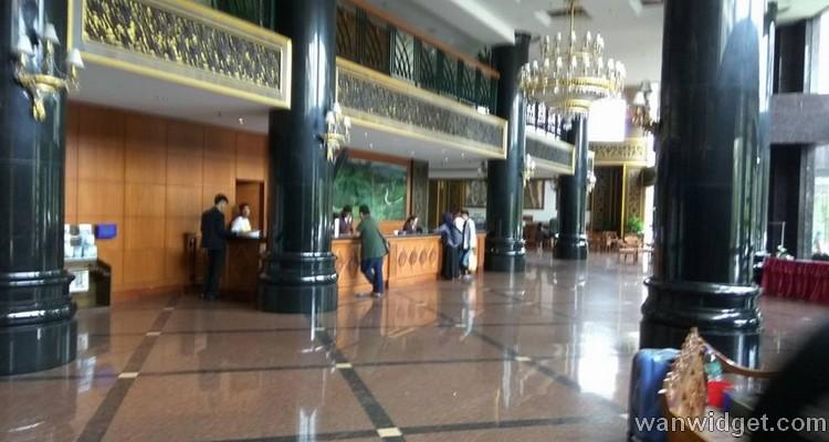 Pengalaman saya ketika check in hotel dengan Agoda di lobi Century Pines Resort Cameron Highlands