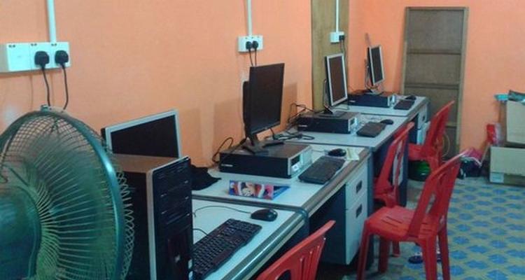 Beli komputer second hand yang murah untuk kedai cyber cafe
