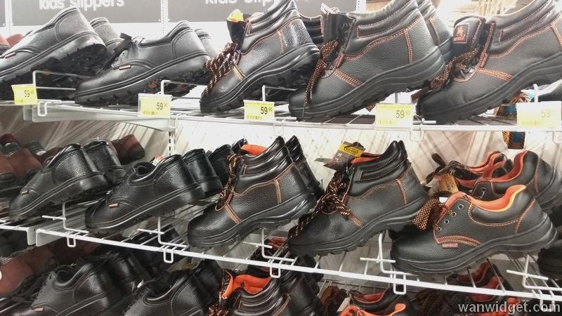 Harga kasut keselamatan safety yang dijual di pasaraya