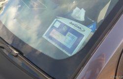 Contoh selepas penggunakan pelekat sticker roadtax pada cermin kereta